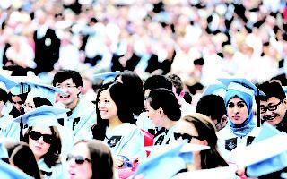 智库:英国大学过度依赖中国留学生 引忧虑