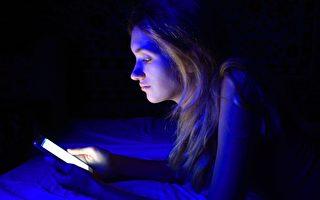 电子产品的蓝光为何加速失明?研究发现原因