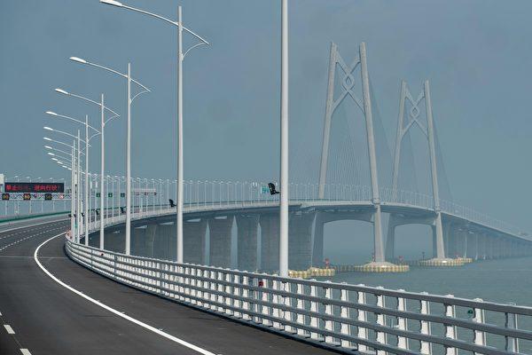 港珠澳大橋通車首日 官方安排失當挨轟