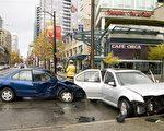 由于天气等因素,11月是大温车祸高发期。(大纪元)