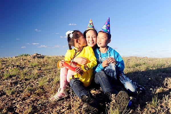 張鈞甯人美心也美 持續資助兒童11年