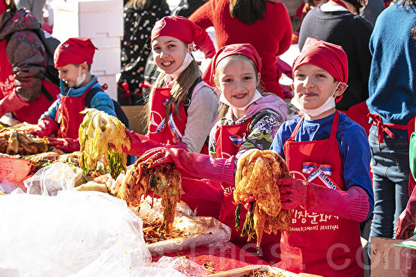 組圖:首爾泡菜文化慶典 六千人溫馨分享