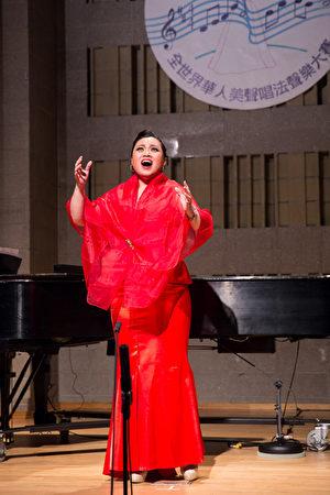776號選手林問語11月10日在新唐人第七屆全世界華人美聲唱法聲樂大賽決賽中演唱。(戴兵/大紀元)