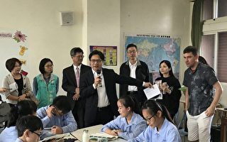 教育部长参访花莲国中小感受活泼在地文化