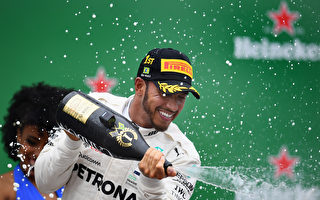 F1巴西站:小汉登顶 梅赛德斯车队五连冠