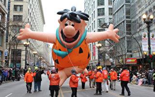芝加哥感恩節大遊行 吸引數萬觀眾圍觀