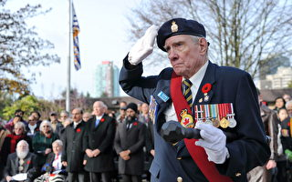 组图:永不忘记 温哥华纪念战亡将士