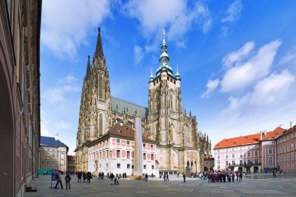 组图:布拉格空拍美图 让人看了很想去旅行