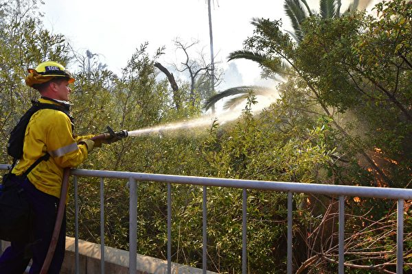 馬里布富人僱私人滅火 消防局不滿