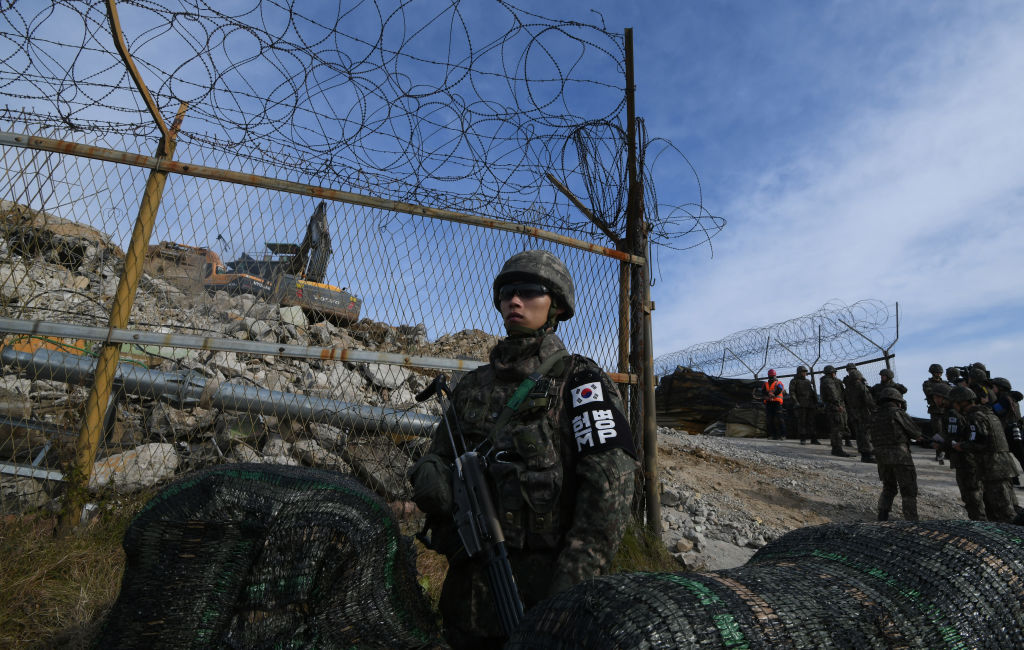 北韓摧毀了非軍事區(DMZ)的10個哨所。(Jung Yeon-je – Pool/Getty Images)