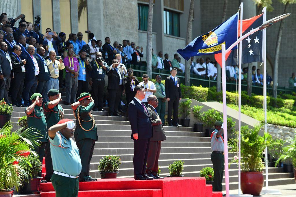 圖為11月16日,習近平在巴布亞新畿內亞訪問。(SAEED KHAN/AFP/Getty Images)
