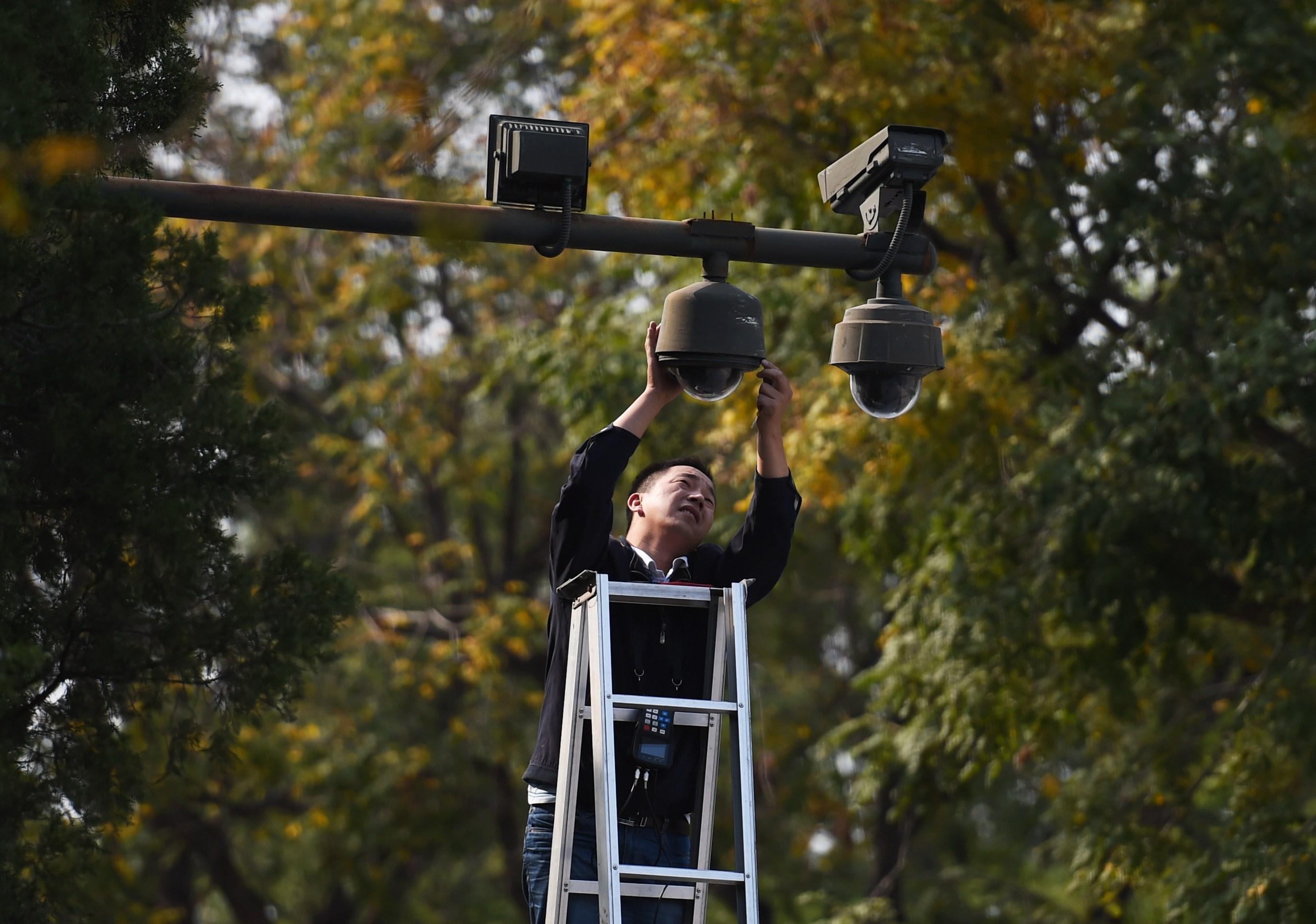 中共監控升級 北京上海安裝「步態識別」