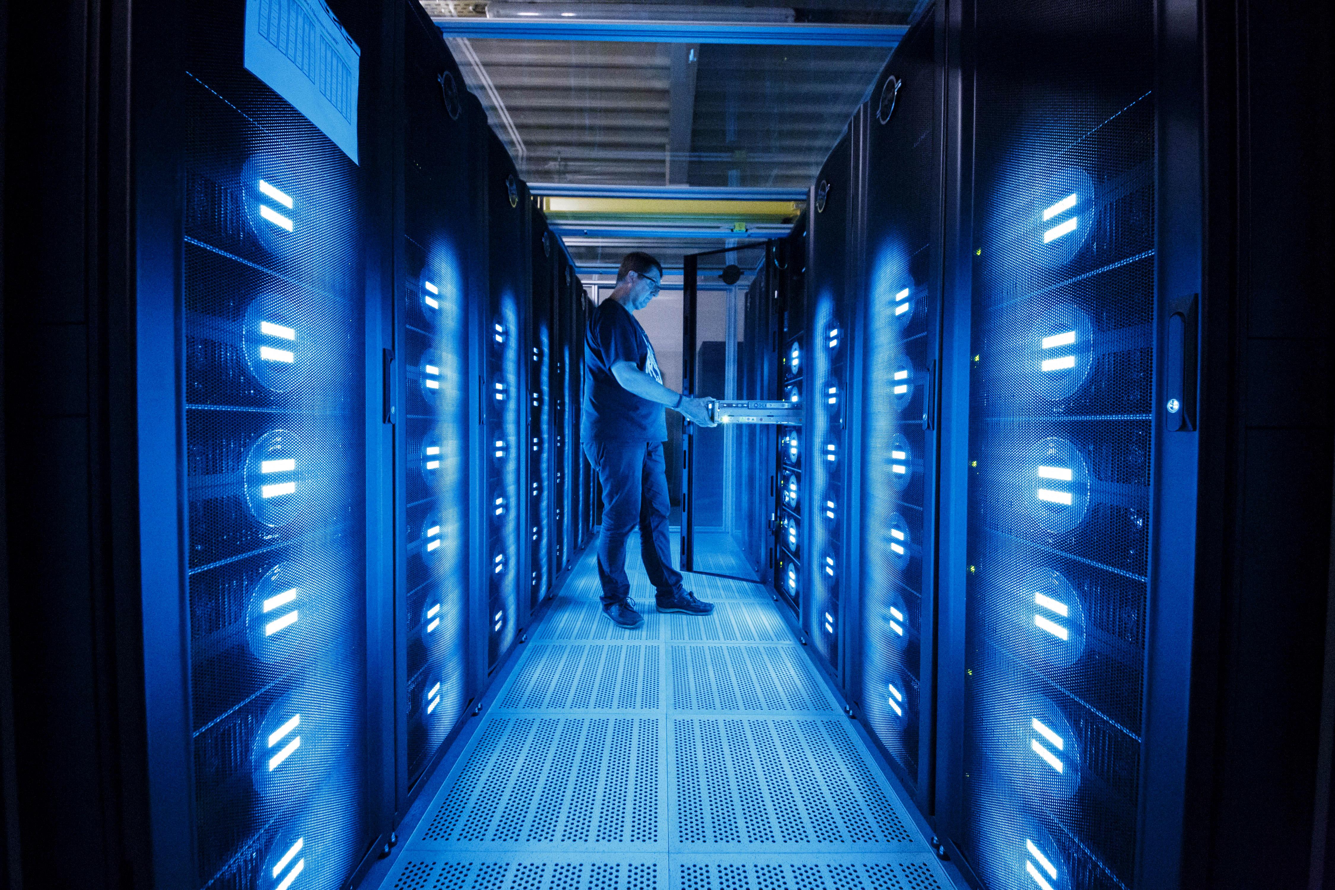 美祭新禁令 重擊中共超級電腦和CPU晶片業