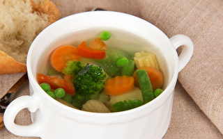 日抗癌权威:蔬菜煮汤喝,防癌效果最好