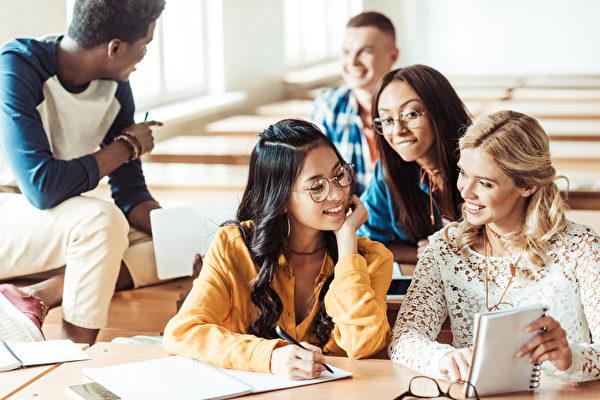 美CDC首发指南 建议大学召回海外美学生