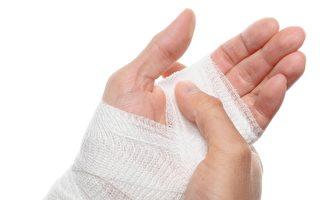 术后手部僵硬、疼痛难忍 手部职能治疗师一招帮她恢复好