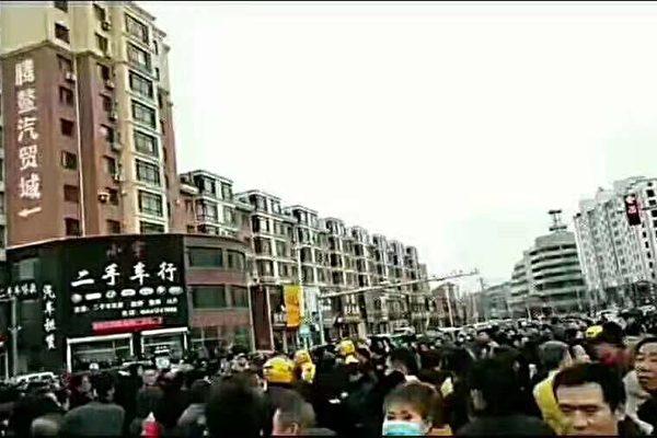 辽宁数千村民持续反建垃圾场 警方抓人打人