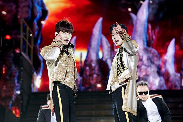 """东方神起于首尔举办""""TVXQ! CONCERT -CIRCLE- #welcome""""演唱会资料照。(avex taiwan提供)"""