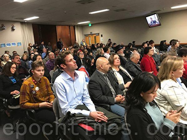 邵陽和黃潔宜宣誓就職 北加州菲利蒙市議會再添華裔面孔
