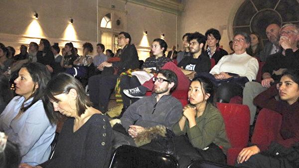 《求救信》巴黎放映,感动现场观众。(大纪元)