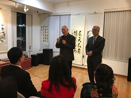 在福壽老人中心教書畫27年的老師王懋軒表示,要想畫品好,先要人品好。