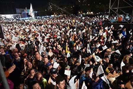國防院發佈年度報告指出,中共有意運用網絡散播假消息、發動網軍帶風向,干預台灣2020年總統大選結果。圖為示意圖。(SAM YEH/AFP/Getty Images)
