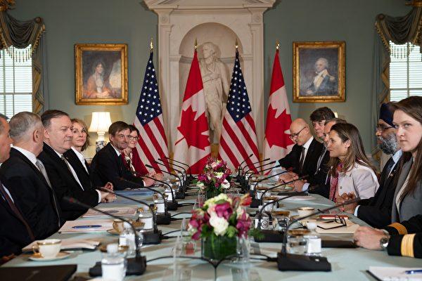 周五(12月14日),美加官員在華府開會,討論兩名加拿大人遭中共非法拘禁的事件。(SAUL LOEB/AFP/Getty Images)