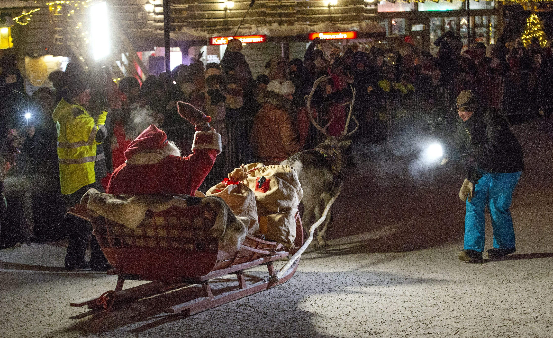 組圖:聖誕老人駕雪橇動身 為全球孩子送禮