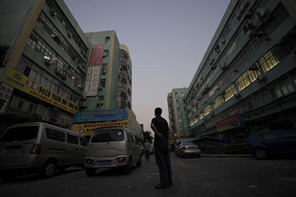 深圳成贸易战重灾区 专家:明年烧到内地。