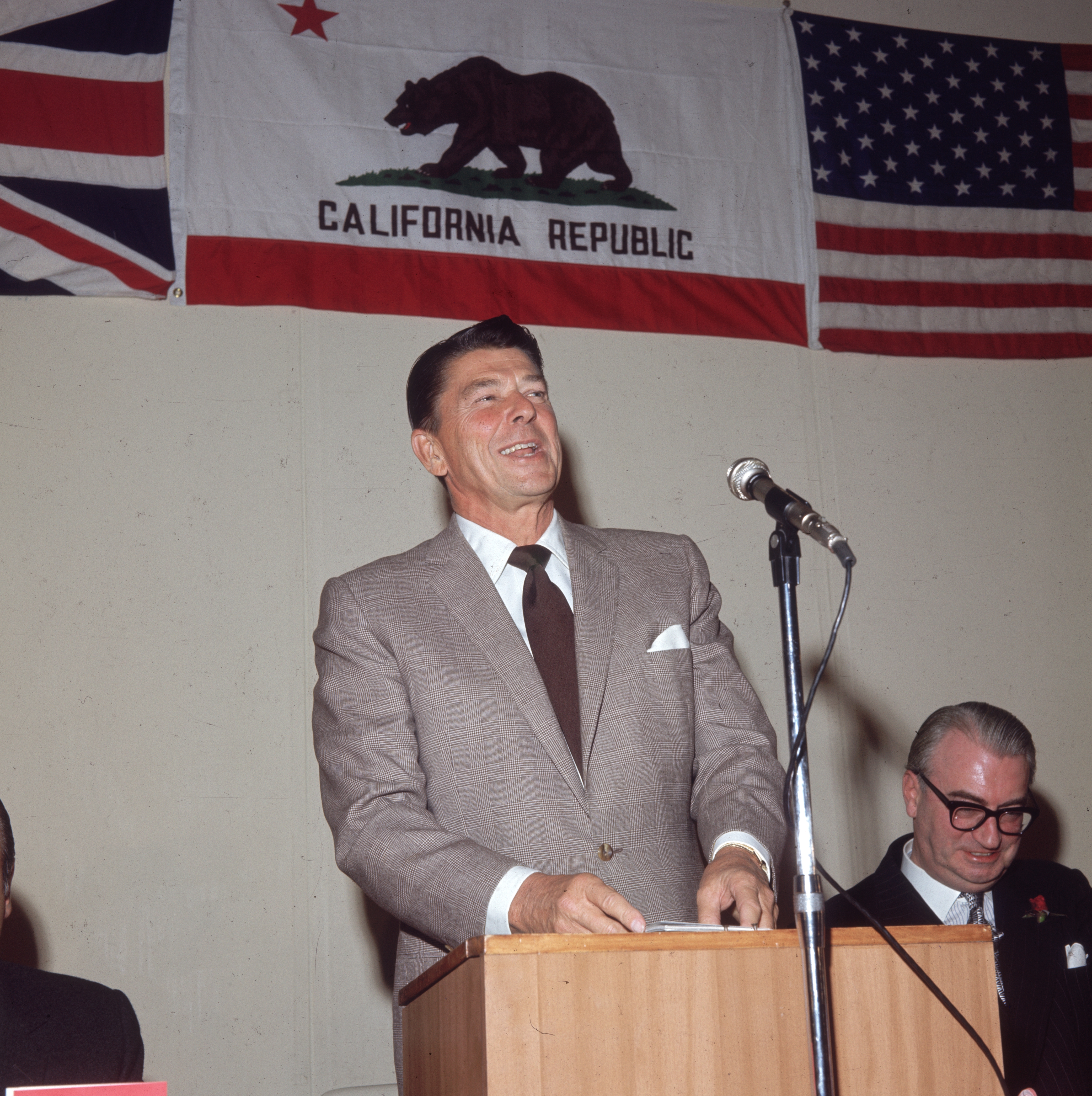 里根總統生平(2):二戰歸來 初顯政治才華
