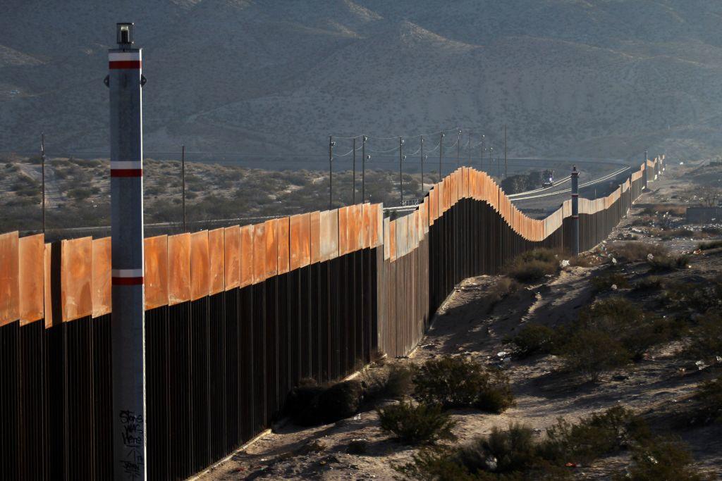 撥款修牆 或部份政府關門 美兩院面臨選擇