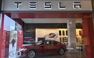 美國調查76.5萬特斯拉汽車自動駕駛問題