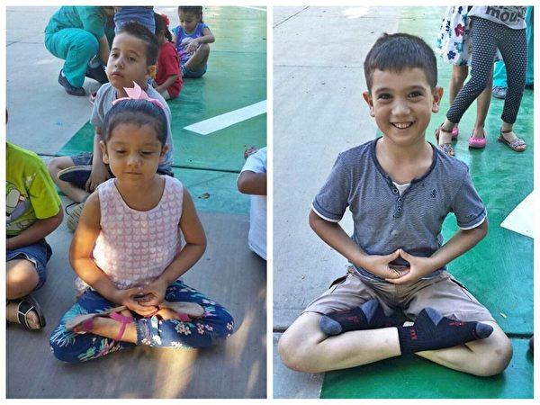 兩位小朋友靜坐雙盤。左邊的小女孩享受著靜心,右邊的男孩子顯得很開心。(明慧網)