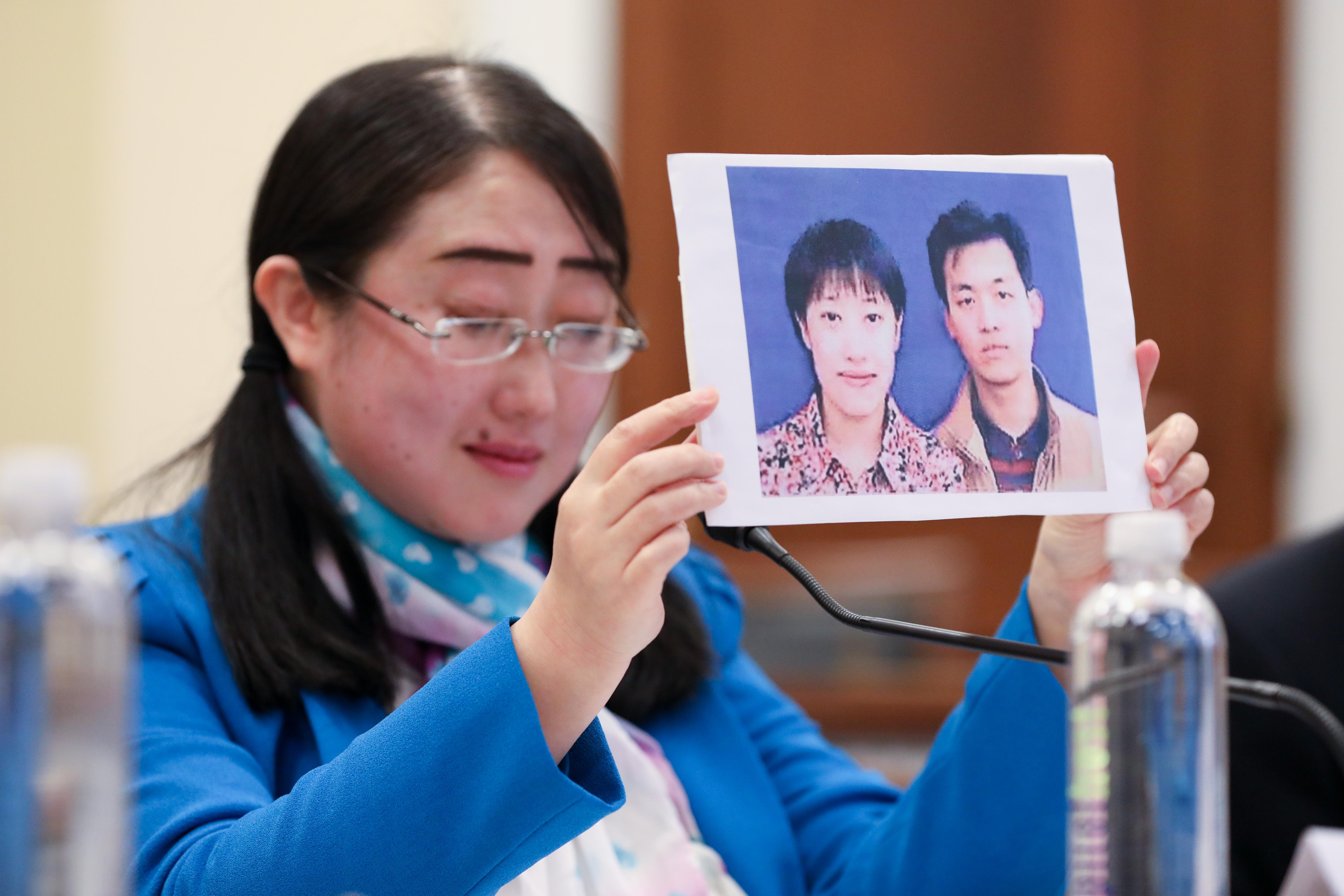 在中共的迫害下,法輪功學員楊春華經歷了家破人亡的慘劇,身心遭受重創。 (Samira Bouaou/大紀元)