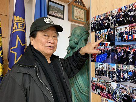 谭华辉指着照片说,他今年特别将父亲二战时穿的土色军装找出来、穿上,参加老兵节游行。