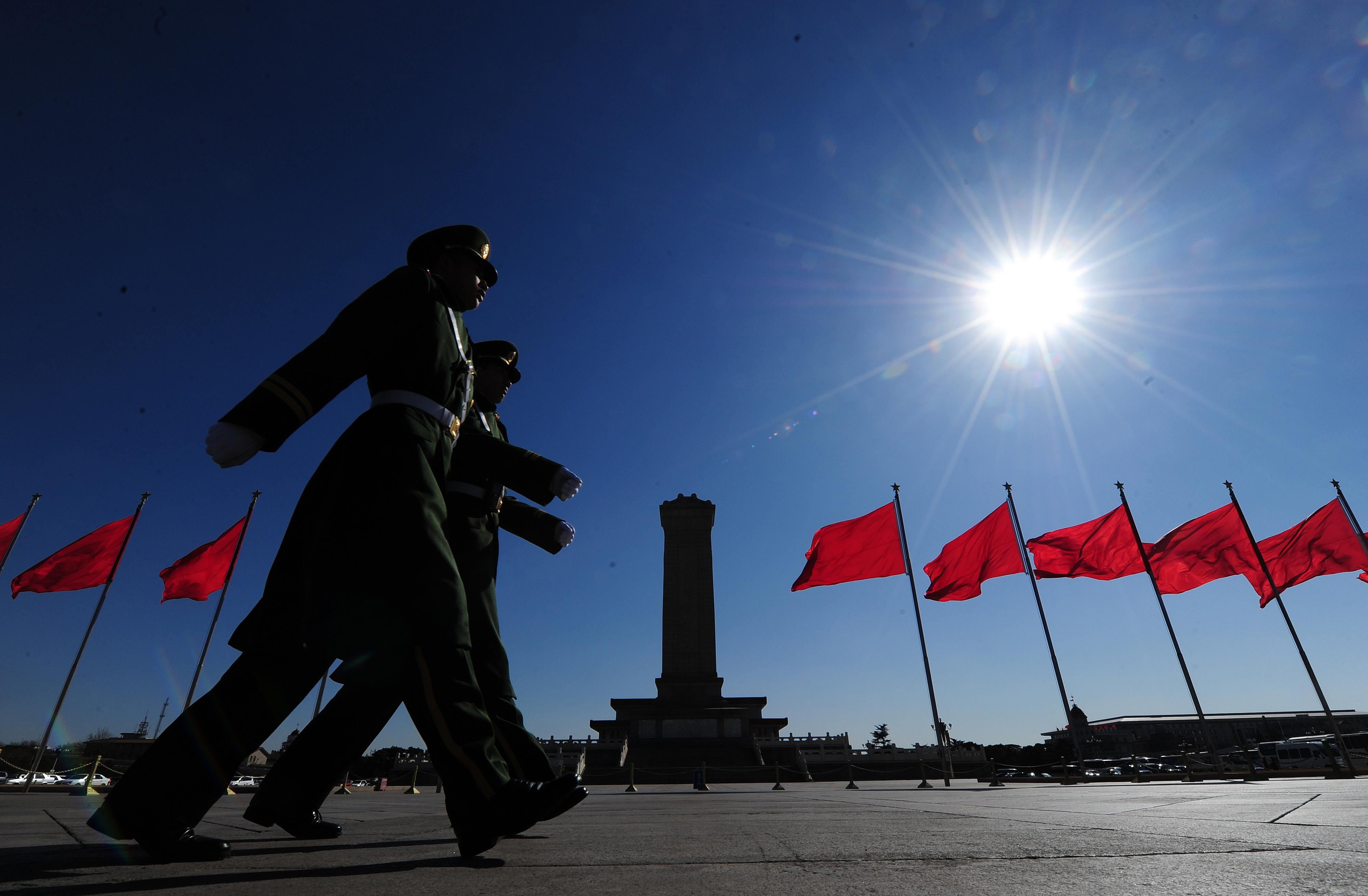 中共深陷內政外交的沼澤,民眾呼籲其應退出歷史舞台。圖為示意圖。(FREDERIC J. BROWN/AFP/Getty Images)