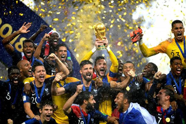 7月15日,法國隊在俄羅斯莫斯科舉辦的世界盃決賽中奪冠。 (Shaun Botterill/Getty Images)