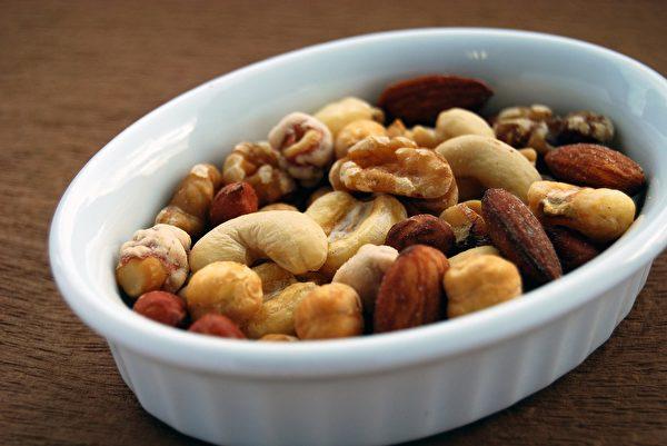 堅果和種子是素食者冰箱中的重要食材。