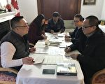 写贺年卡给在中国被非法关押正义人士