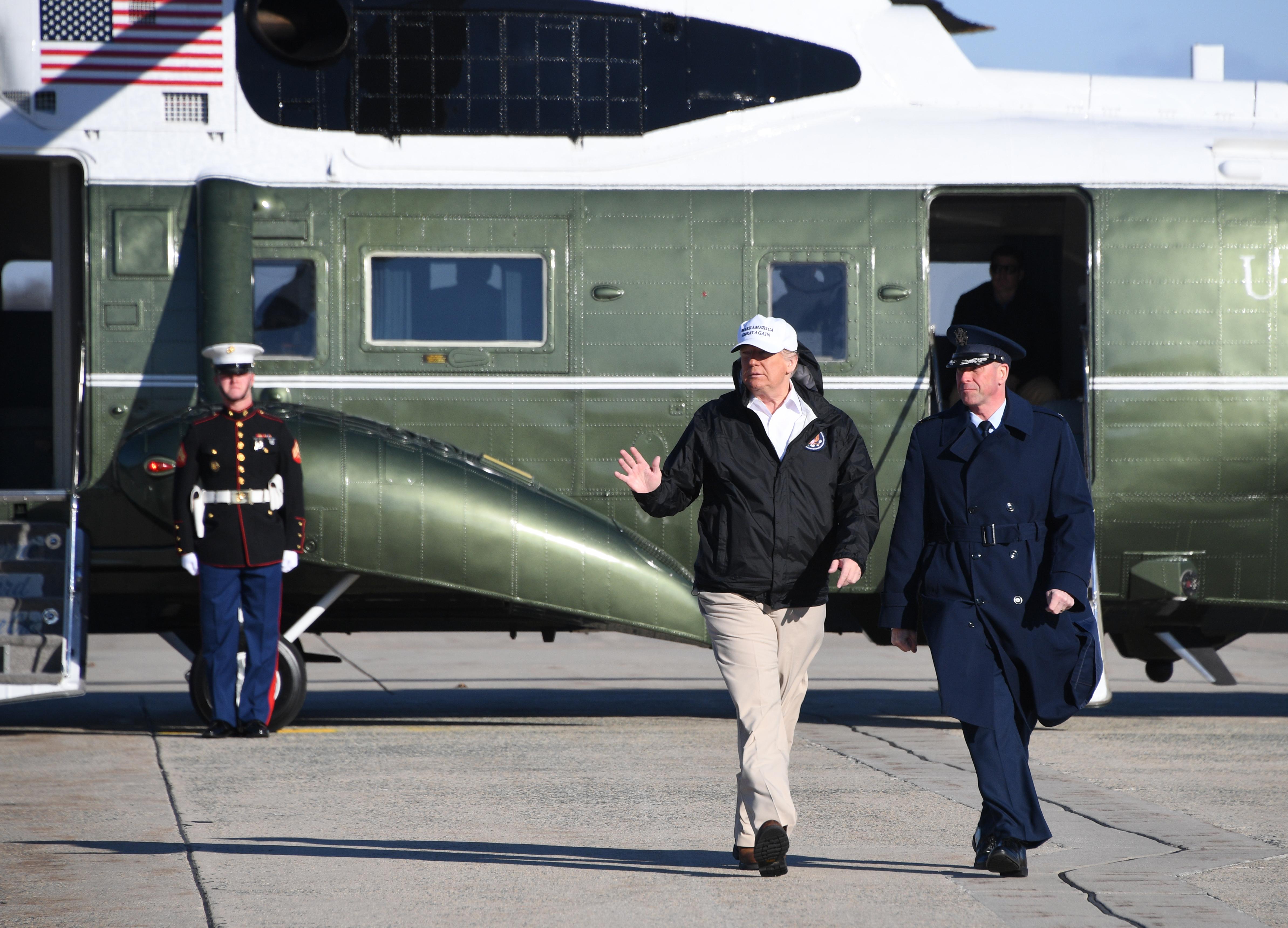 周四,特朗普在前往美墨邊境視察前,離開白宮時表示:「我們正在與中國進行談判,並取得巨大成功。」(Jim WATSON / AFP)