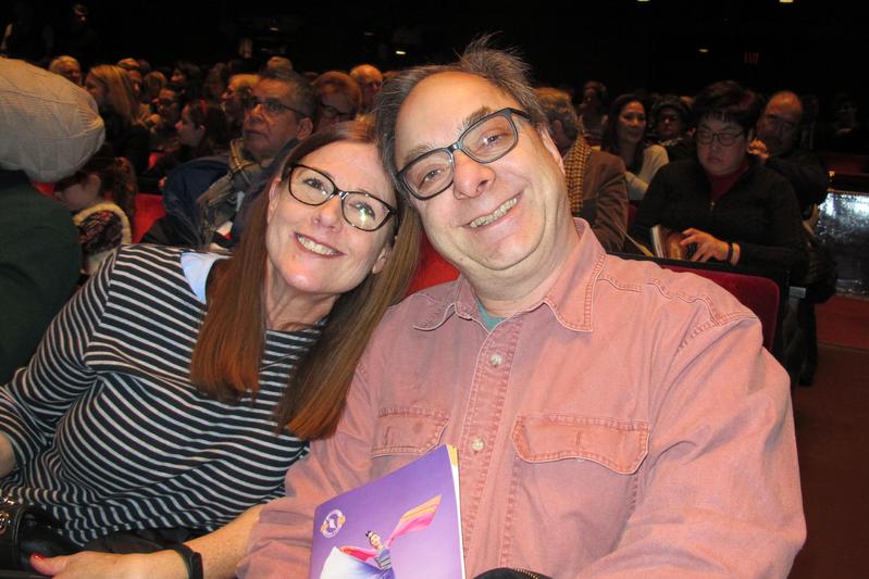 2019年1月12日下午,全球最大製藥公司輝瑞公司IT總監Frank Rosalia偕太太林肯中心大衛寇克劇院觀看了神韻紐約藝術團的演出。(麥蕾/大紀元)