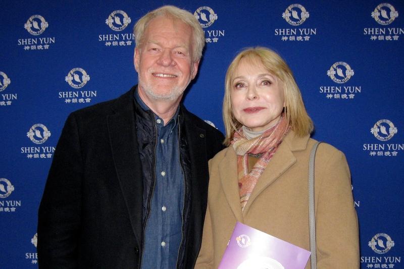 2019年1月12日,電影電視製作人和導演Leif Bristow和Agnes Bristow夫妻對神韻是由衷的喜愛和欣賞。(新唐人電視台)