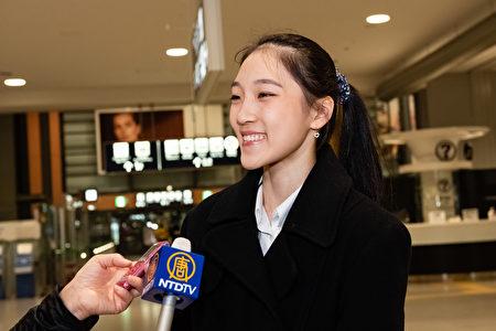 神韻舞蹈演員Justina Wong表示:「神韻舞台色彩紛呈,充滿向上的能量,相信會給日本觀眾帶來全新的舞台體驗和賞心悅目的視覺震撼。」(牛彬/大紀元)