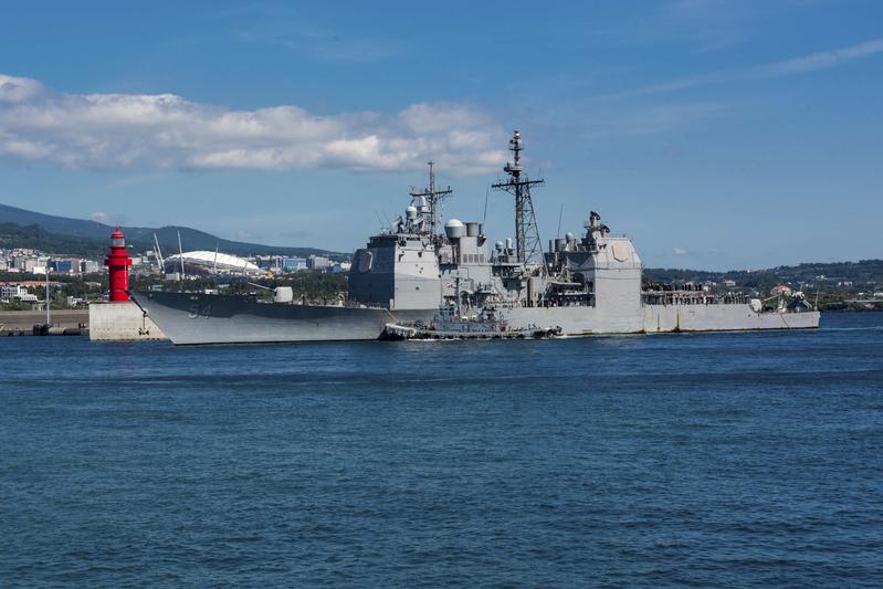 美國兩艘軍艦再通過台灣海峽