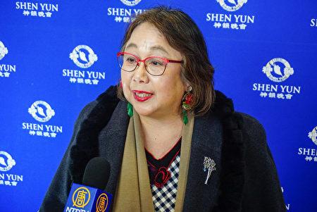 日本聲樂家倉智正江在東京八王子市觀看了神韻演出,她表示演出「美不勝收」。(李小朗/大紀元)