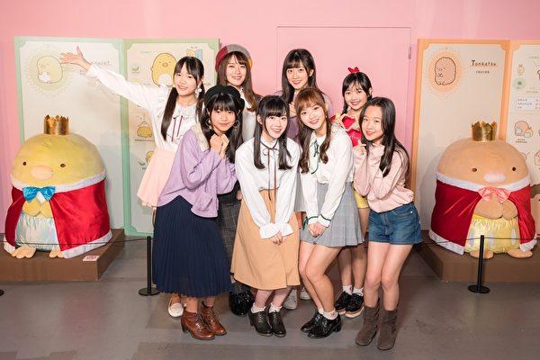 AKB48台北隊逛展拍不停 引發現場小騷動