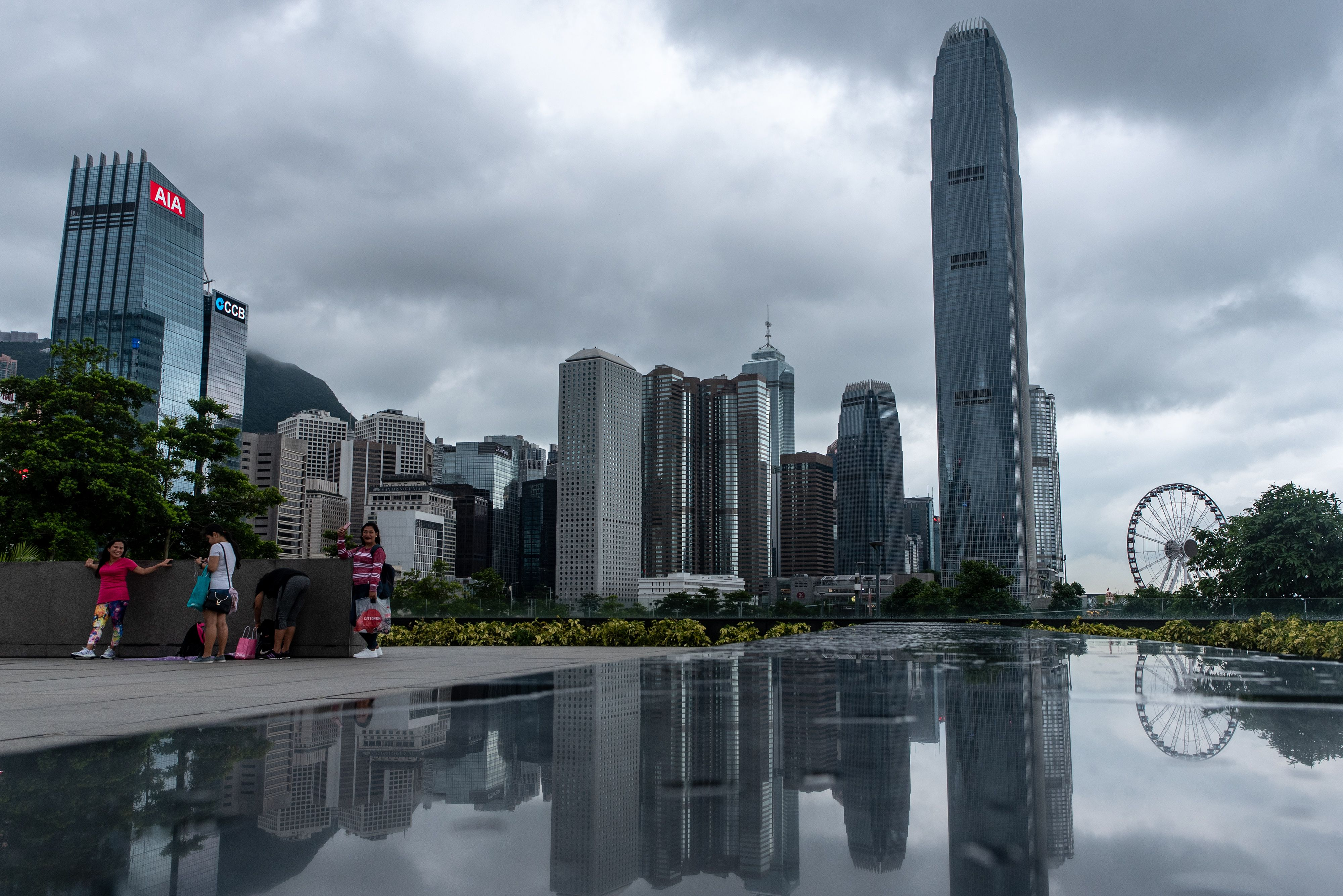 據最新解密的檔案,英國外交部曾被警告,中共可能在1997年香港主權移交之前,以武力強行接管香港。( PHILIP FONG/AFP/Getty Images)