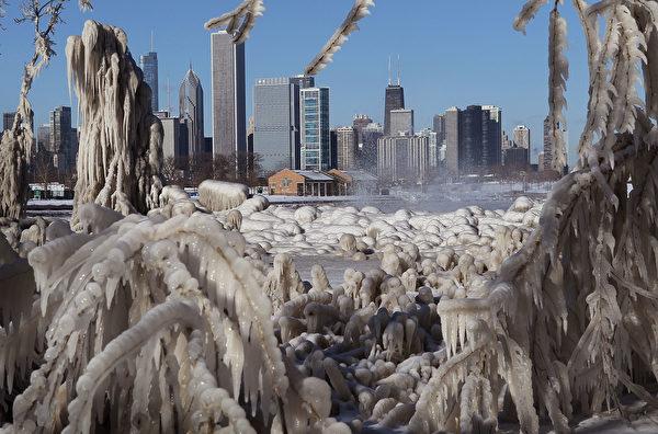 寒流使中西部陷入停滯狀態。圖為芝加哥。(Scott Olson/Getty Images)