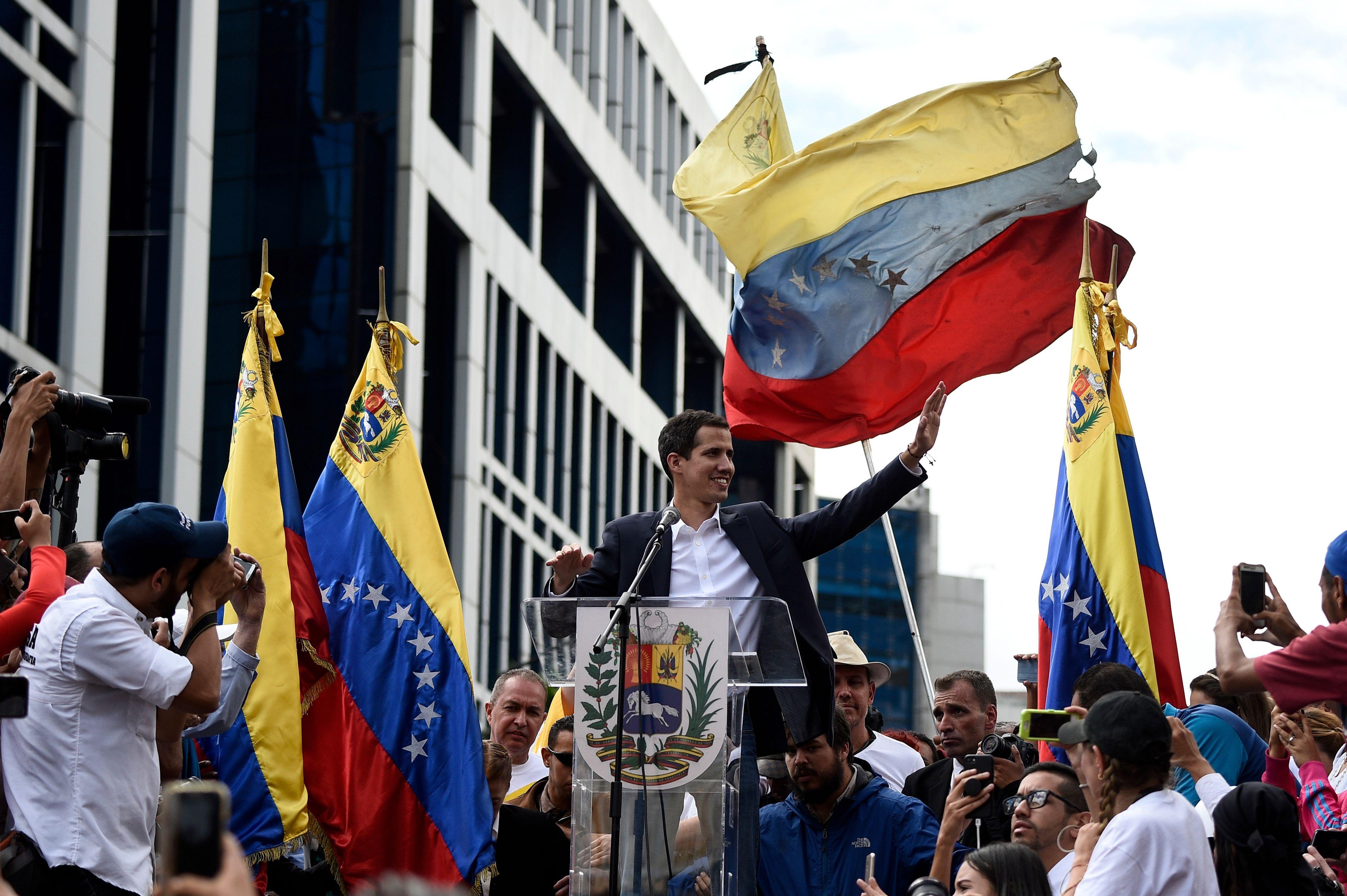 委內瑞拉變天 美承認反對派領袖為臨時總統