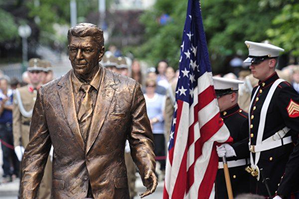 傳奇總統里根(6): 帶領世界進入美國時代